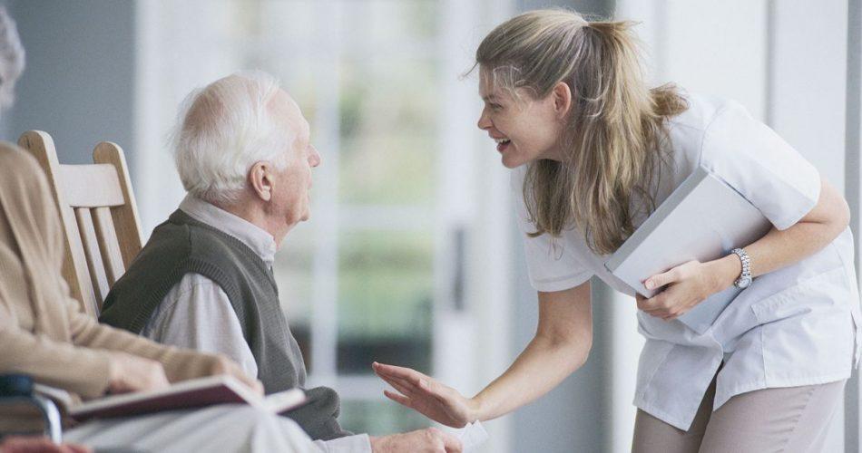 De ce seniorii cu Parkinson trebuie sa fie cazati la azil?